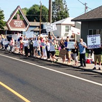Pro-Life Group Protests Bend Planned Parenthood