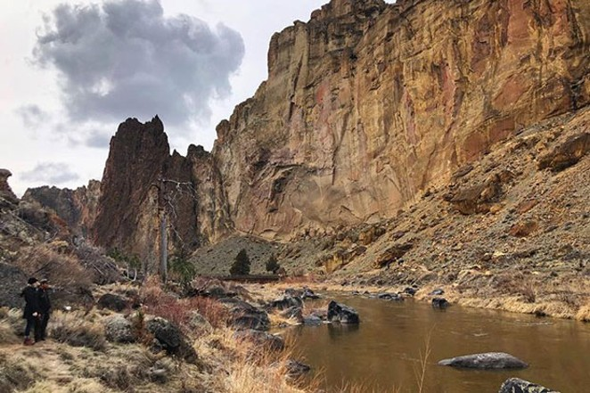 Spring time is just nicer at Smith Rock State Park! At least through the lens of @iamerica4. 