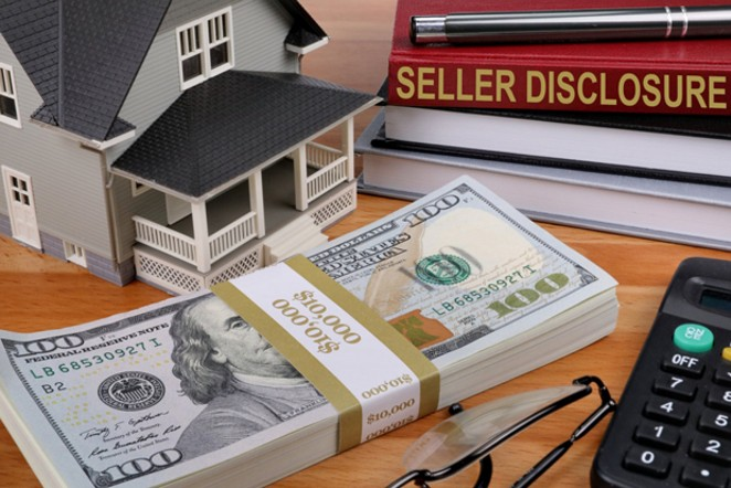 SELLER DISCLOSURE BY NICK YOUNGSON CC BY-SA 3.0 PIX4FREE