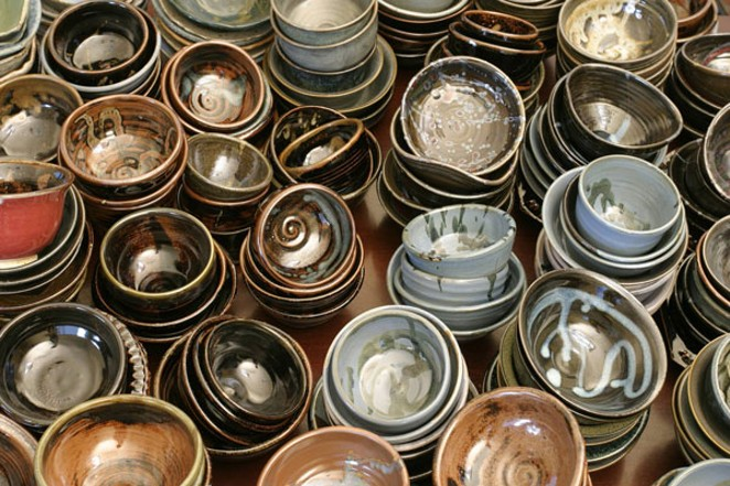 HELP FILL THESE EMPTY BOWLS FOR A GOOD CAUSE