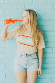 Style by mom's high-waisted jeans. Ft. Mexican Soda - PXHERE.COM