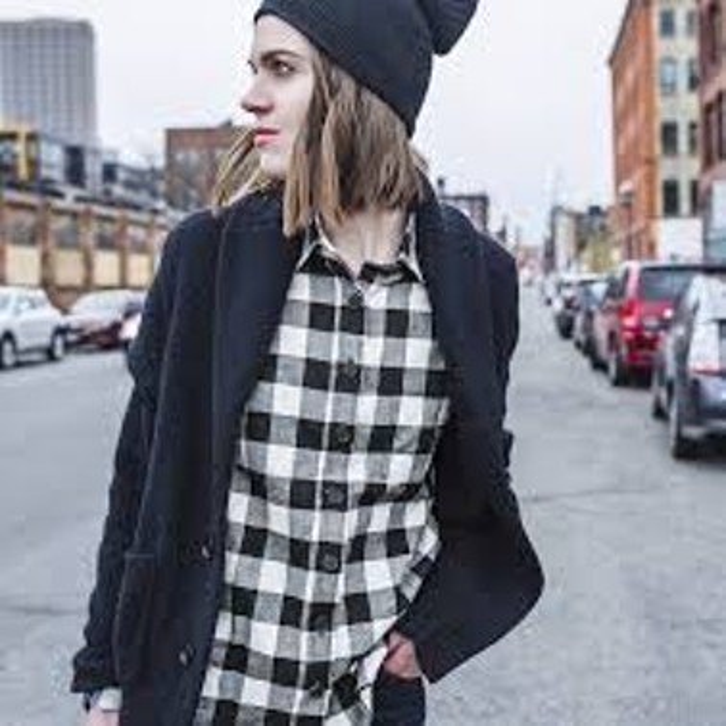 Flannel accompanied with a black beanie, perfect. - FLIKR.COM