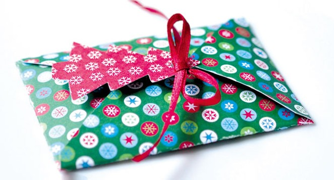 Yes, there is a right way to gift a gift card. - CONGERDESIGN VIA PIXABAY