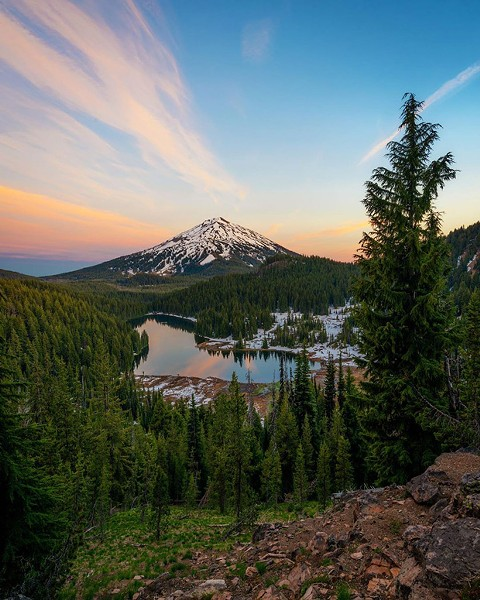 Great view of Mt. Bachelor from @brockoli6. Tag @sourceweekly on Instagram to get featured in Lightmeter. - SUBMITTED