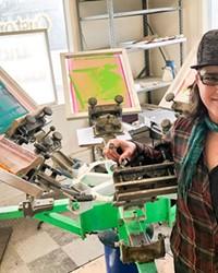 Julie Winter in her new print shop in La Pine.