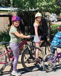 Kaia, Chloe & Peter - the DRW Bike Club