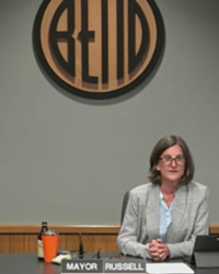 Mayor Sally Russell addresses the Bend City Council on August 19 in response to the ICE sweep and protest on August 12.