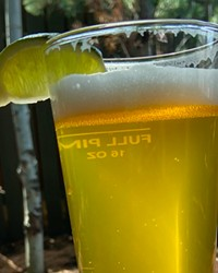 A glass of Deseo Latin Lager at Sunriver's 
