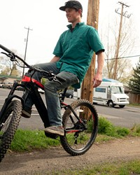 Bend Electric Bike's Rion O'Grady shows off his balancing skills, performing a no-handed trackstand on 5/5.