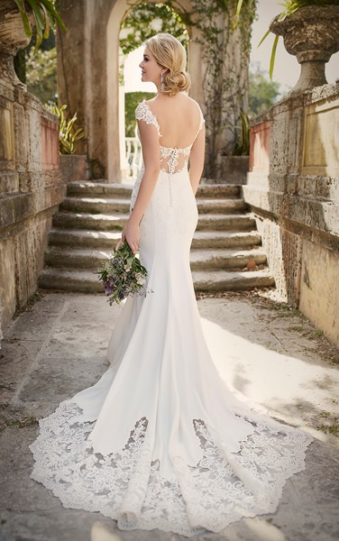 wedding_dress-7d8cf5167f003c7a.jpg