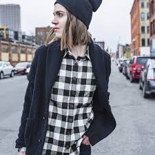 Flannel accompanied with a black beanie, perfect. - FLIKR.COM