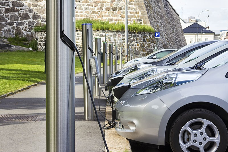 CHARGE 'ER UP A bill from Assemblyman Al Muratsuchi would require your landlord to install electric-car chargers.