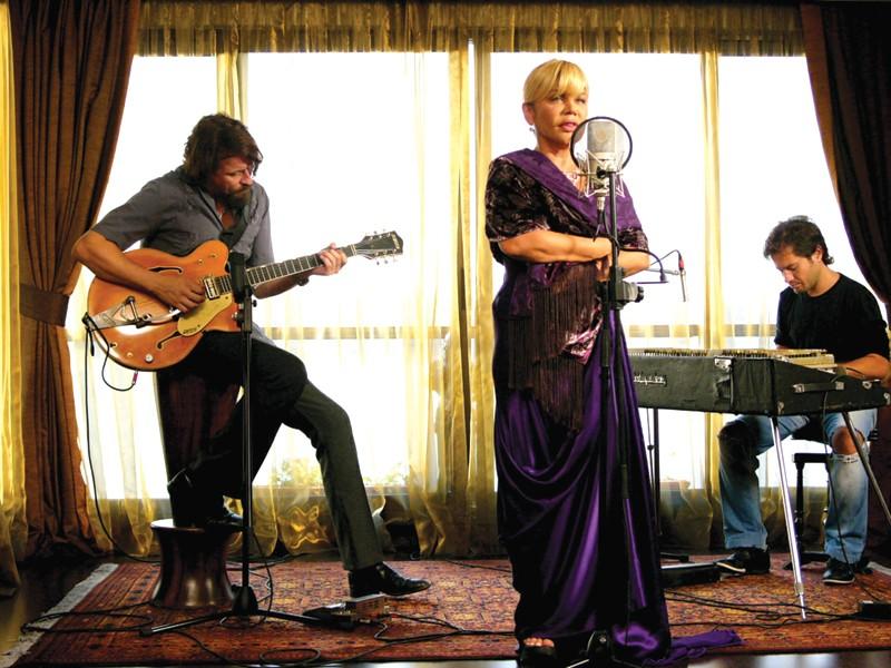 MUSICAL MAGIC Sezen Aksu, considered the voice of Istanbul, in Fatih Akin's new film.