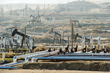 OH, FRACK An oil field in Kern County in California—that's a lot of oil, pops!