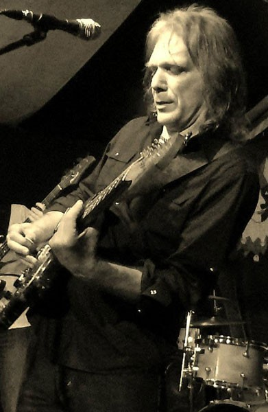 RISING SON Volker Strifler inventively reinterprets the classic blues feel.