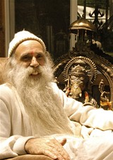 e83472b6_swami_and_ganesh_.jpg
