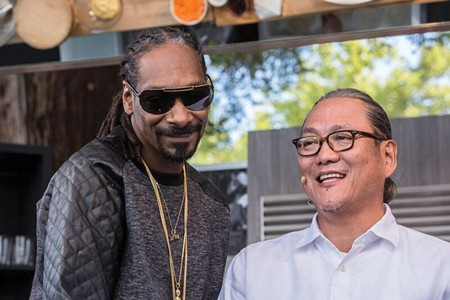 SECRET HERBS AND SPICES Snoop Dogg shares his fried chicken recipe with star chef Masaharu Morimoto. - JAMIE SOJA