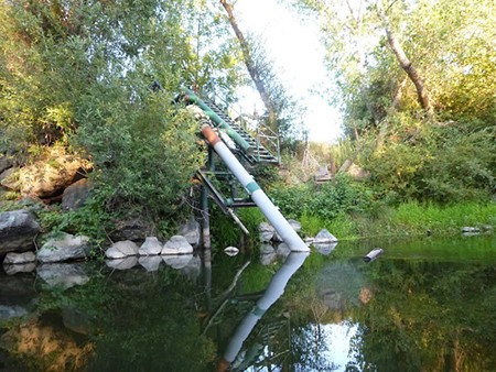 THIS SUCKS Vineyard irrigation pumps are not metered and may draw as much water from the river as they like. - KEN SUND