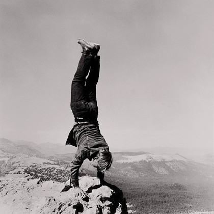 Robert Kinmont, 8 Natural Handstands, 1969/2005