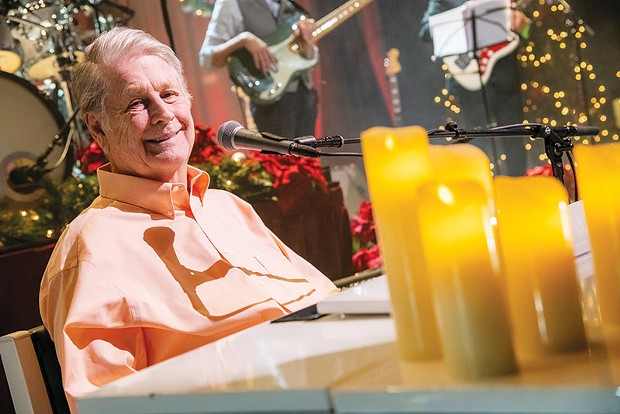 GOOD VIBRATIONS Brian Wilson offers a night of holiday 