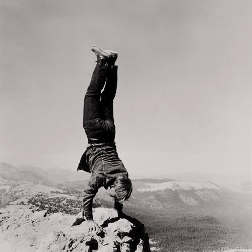 Robert Kinmont, 8 Natural Handstands, 1969/2005