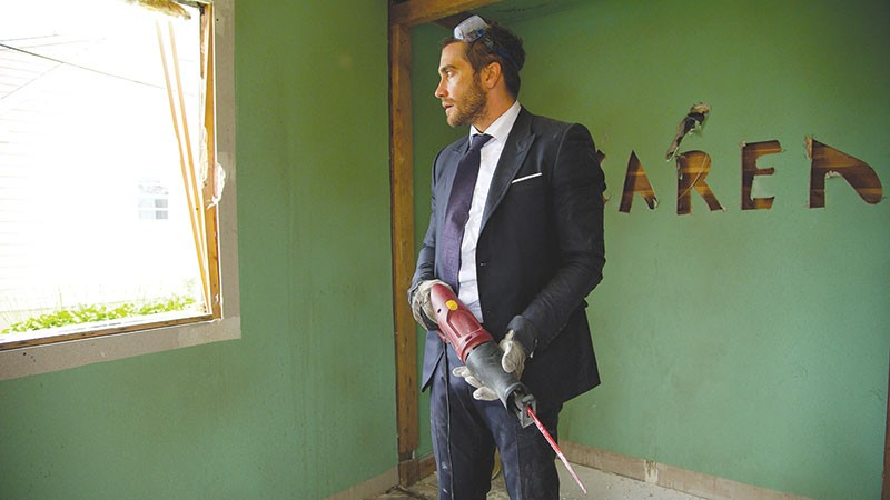 SAW DELIGHT  Jake Gyllenhaal ruins a good suit in latest from Jean-Marc Vallée.