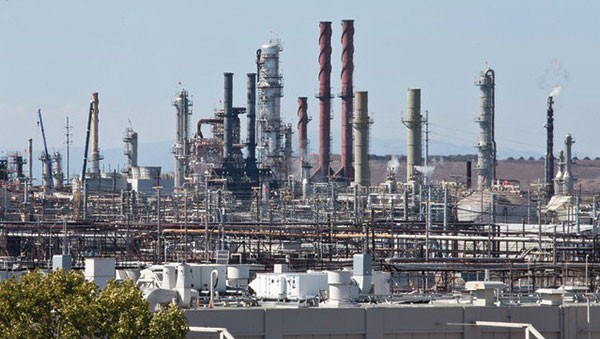 LOCALLY SOURCED POLLUTION The Bay Area refinery corridor in Contra Costa and Solano counties is the country's second largest oil production center west of the Mississippi.
