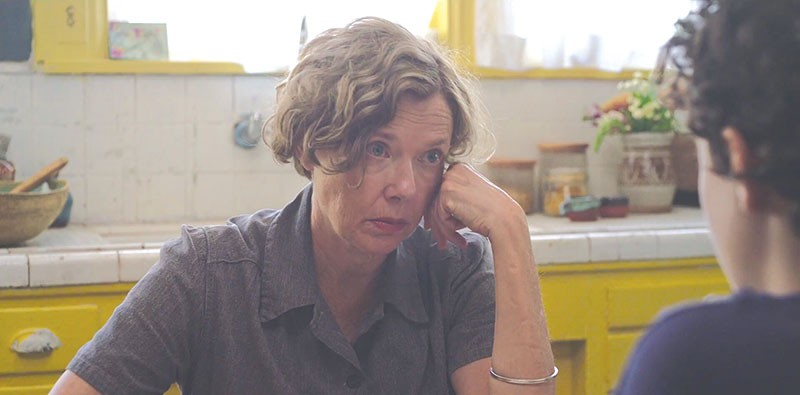 THAT '70s SHOW  Annette Bening shines as a single mother trying to do right by her son in Mike Mills' new film.