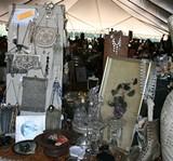 c6ceb553_antique-display-purses.afaf.lowr.jpg