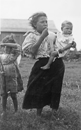 7d4153c5_london_portuguese_fieldworker_children_oahu_hi_1907.jpg