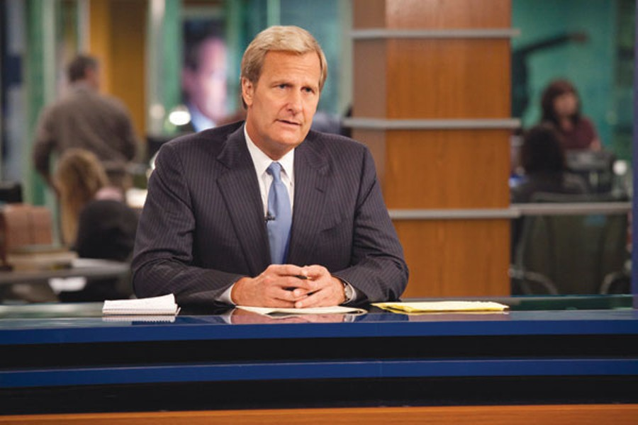 WE REACHED FOR THE STARS Jeff Daniels plays an Edward Murrow–type throwback in 'The Newsroom.'