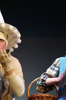 WITCHY WAYS Tessa Rissacher and Taylor Diffenderfer star in a lively staging of 'Wizard of Oz.'