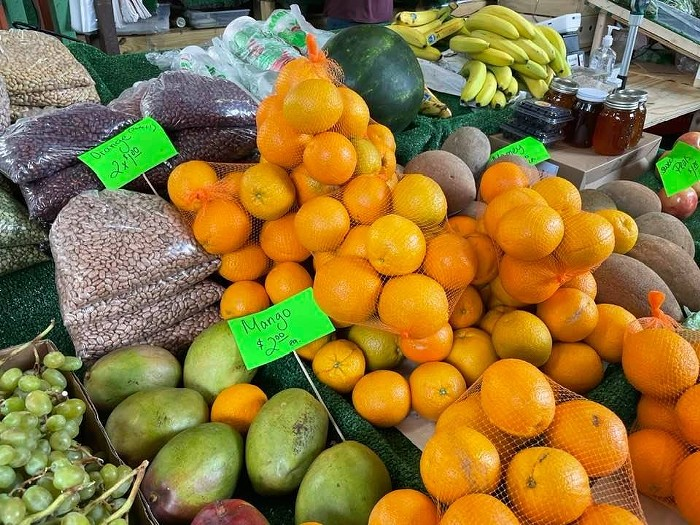 Fresh produce at Yellow Green Farmers Market. - PHOTO BY LAINE DOSS
