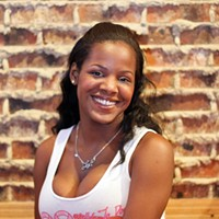 3 questions with Shanae Callier, Hooters girl