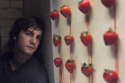 ACROSS THE UNIVERSE: Jim Sturgess - ABBOT GENSER / SONY PICTURES
