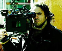FOCUS FEATURES - Alejandro Gonzalez Inarritu, director of 21 - Grams