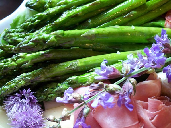 Asparagus with chive and sage flowers
