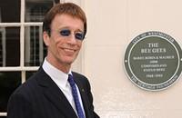 Bee Gees' Robin Gibb dies at 62