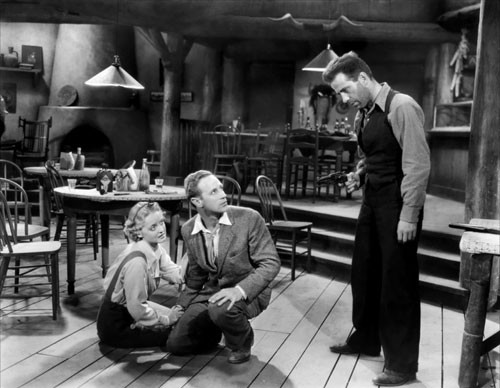 Bette Davis, Leslie Howard and Humphrey Bogart in The Petrified Forest (Photo: Warner Bros.)