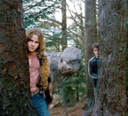 WARNER BROS - BIRDS OF A FEATHER Hermione (Emma Watson), - Buckbeak and Harry (Daniel Radcliffe) attempt to fly - the coop in Harry Potter and the Prisoner of - Azkaban