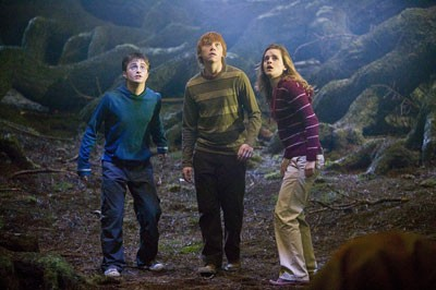 Daniel Radcliffe, Rupert Grint and Emma Watson in Harry Potter and the Order of the Phoenix - MURRAY CLOSE / WARNER BROS.
