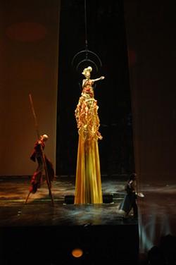 MARIE-JOSÉE LAREAU © 2006 CIRQUE DU SOLEIL INC - Desejo, part of Cirque du Soleil's Delirium
