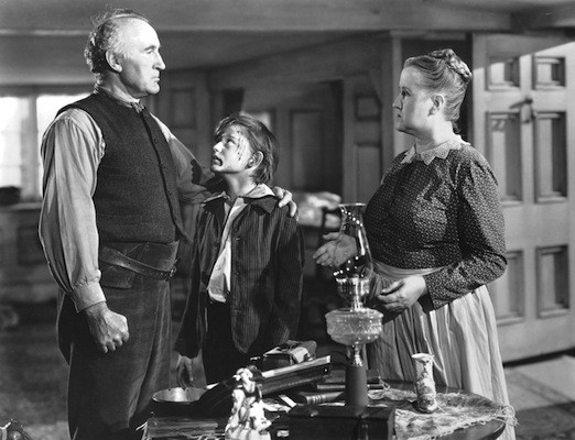 Donald Crisp, Roddy McDowell and Sara Allgood in How Green Was My Valley (Photo: Fox)