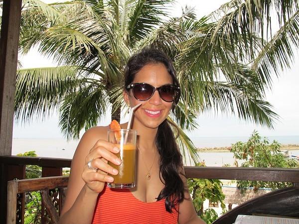 Drinking_Juice_In_Thailand.JPG