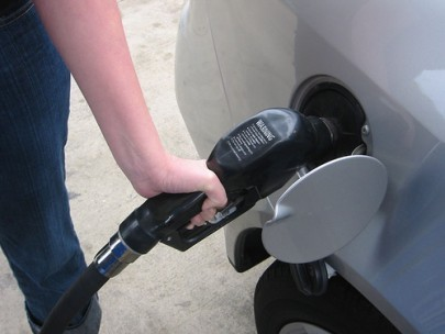 pumping-gas-405x304.jpg