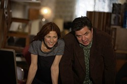 SONY PICTURES CLASSICS - GIVE AND LET GIVE: Catherine Keener and Oliver Platt in Please Give.