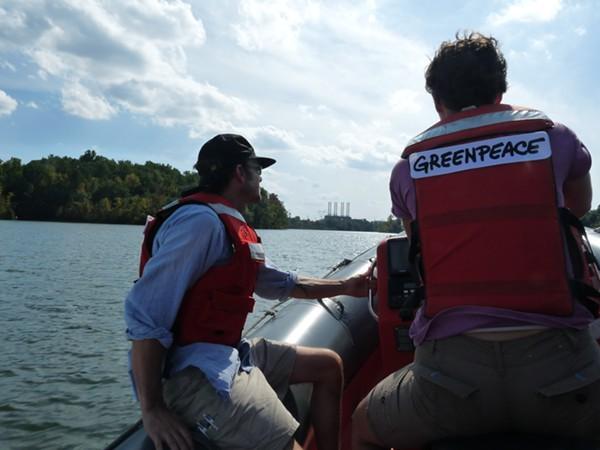 Greenpeaces boat approaching Duke Energys Riverbend coal plant