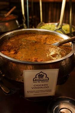 ANGUS LAMOND - Hot hot hot Vindaloo