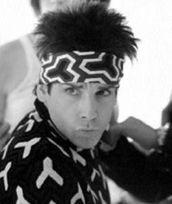 """MELINDA SUE GORDON/PARAMOUNT - IF LOOKS COULD THRILL Derek Zoolander (Ben - Stiller) displays the """"Blue Steel""""  stare that made him a - supermodel in Zoolander"""