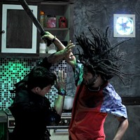 Iko Uwais (left) in The Raid: Redemption